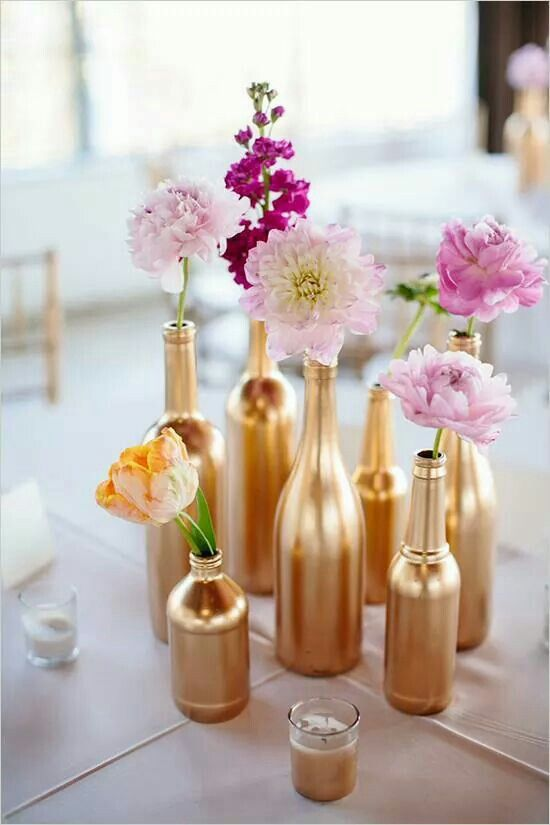 use gold paint to make vases of usual bottles
