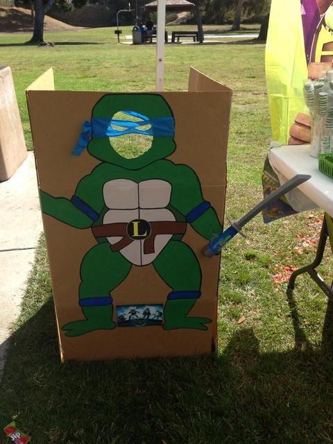 ninja turtle crdboard decor for taking pictures