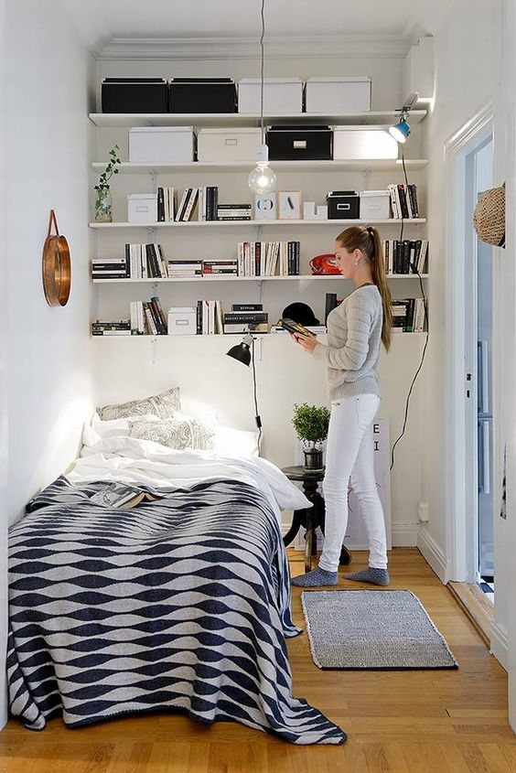 25 smart storage ideas for tiny bedrooms shelterness. Black Bedroom Furniture Sets. Home Design Ideas