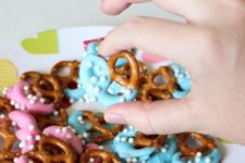 20 fancy gender reveal pretzels