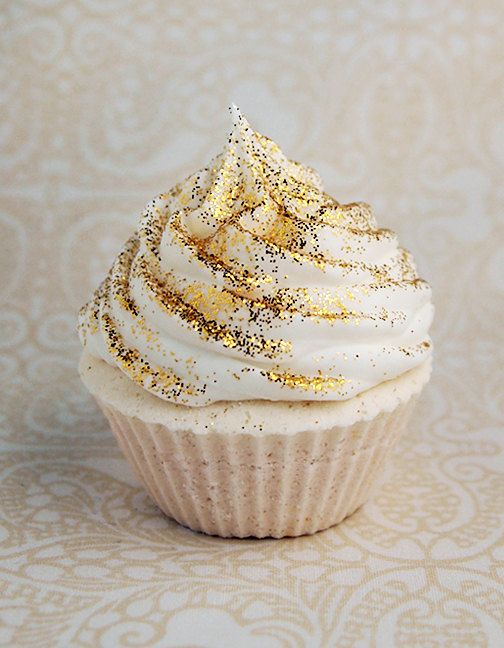 25 Gold And Glitter Party Ideas For Glam Lovers Shelterness