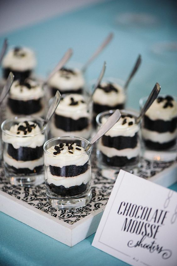chocolate mousse for your monochrome party