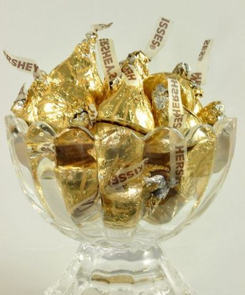 metallic kisses for a gilded party