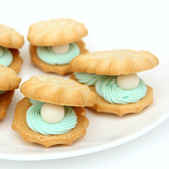 oyster and pearl cookies as a delicious treat