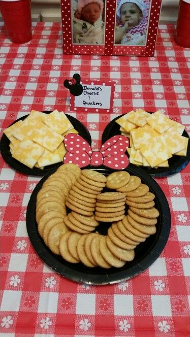 Donald's cheese and quackers for a Minnie Mouse party