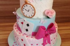24 awesome glam Alice in Wonderland cake