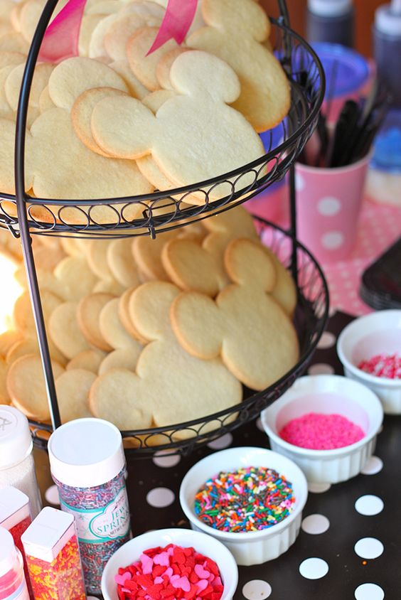 Minnie Mouse cookie station - make your own cookie
