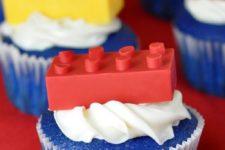 28 lego brick cupcakes