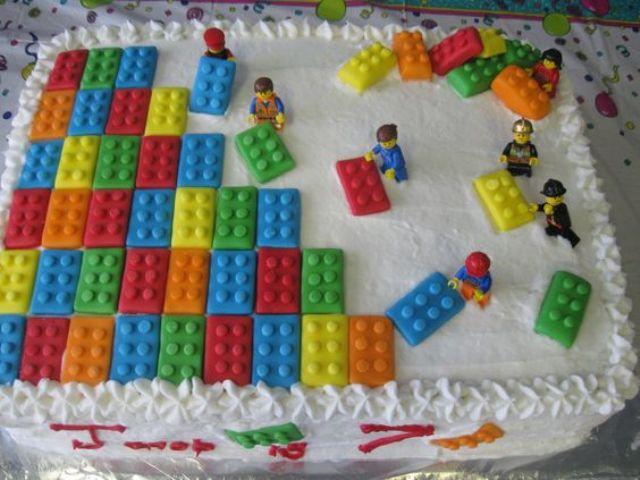 LEGO buttercream cake can be DIYed