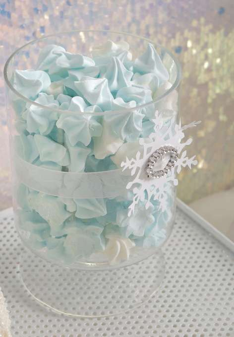 pretty blue meringues for the dessert table