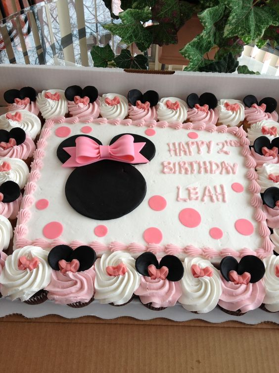 pink, black and white Minnie Mouse cake for the 2nd birthday