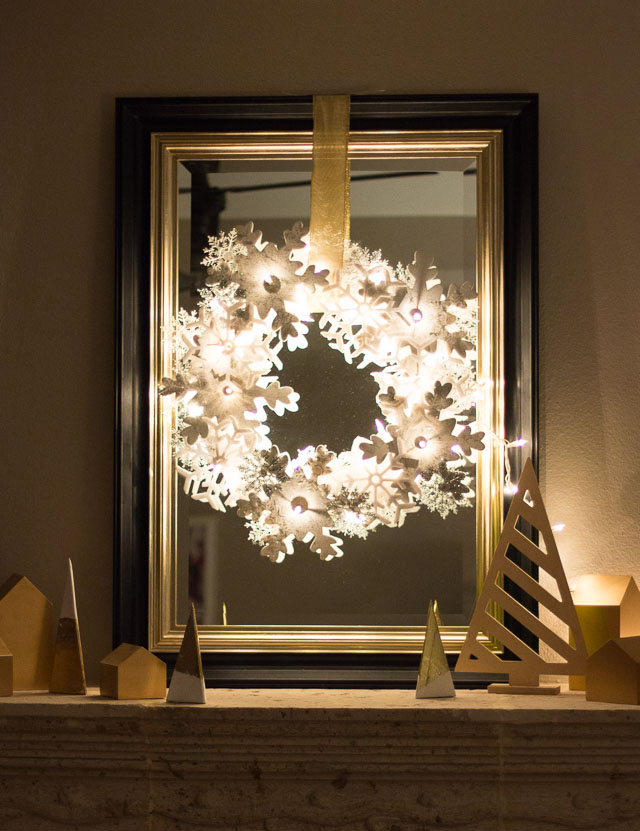 DIY snowflake lit up wreath