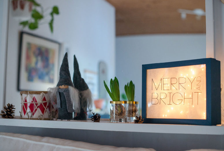 DIY lighted sign of photo frames (via atilio.metromode.se)