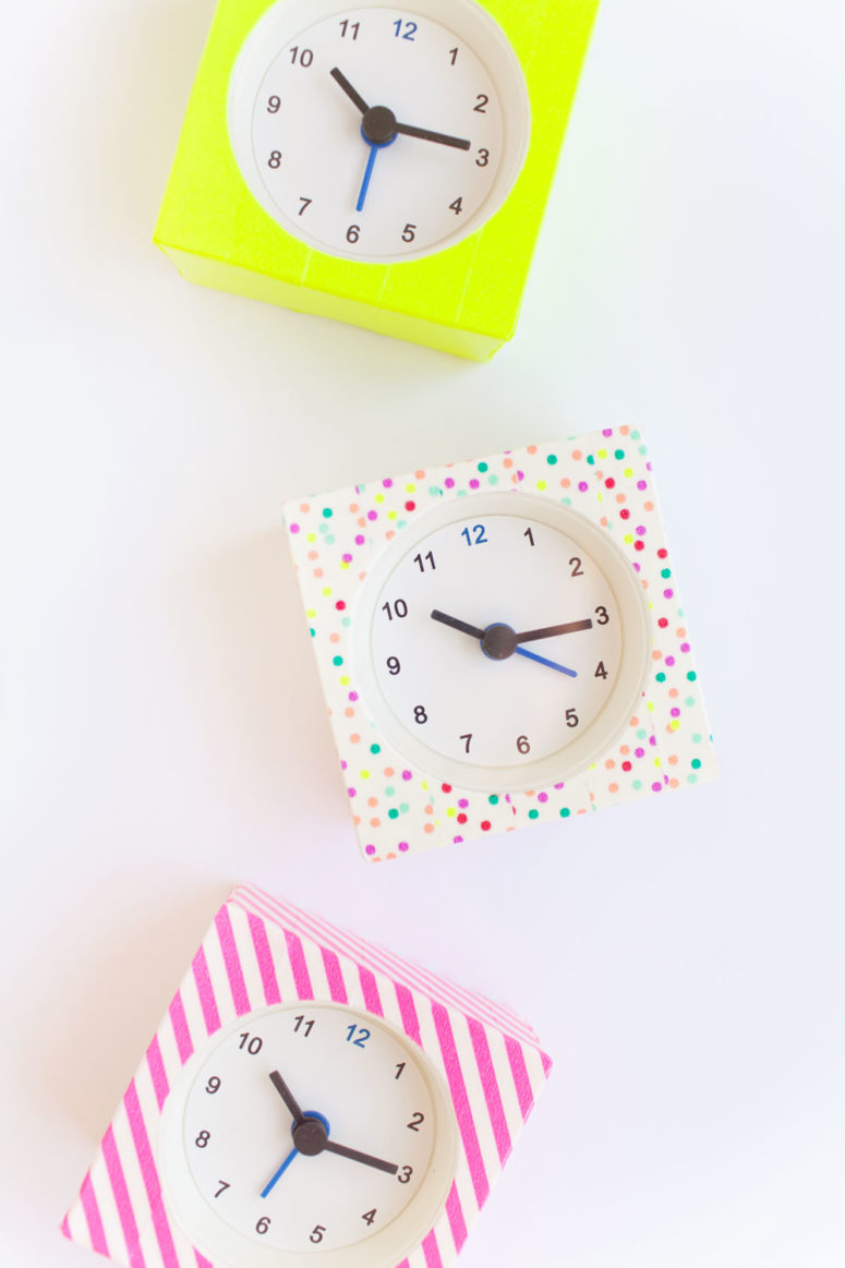 DIY washi tape clocks (via tellloveandparty.com)