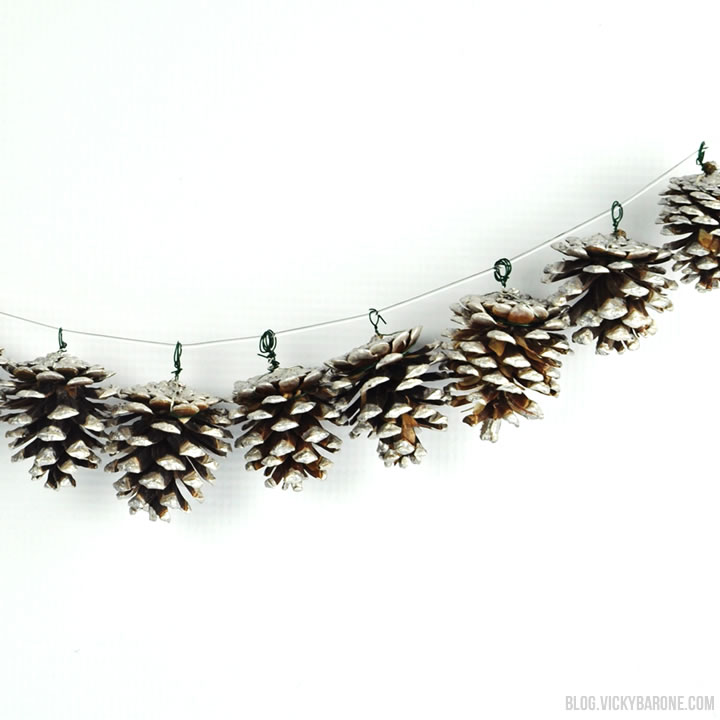 DIY painted pinecone garland (via blog.vickybarone.com)