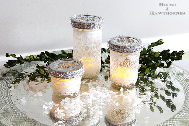 DIY mason jar Christmas lanterns (via www.houseofhawthornes.com)