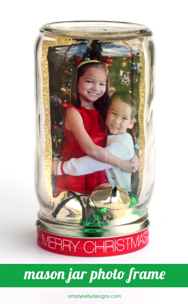 DIY mason jar photo frame in a jar (via simplykellydesigns.com)