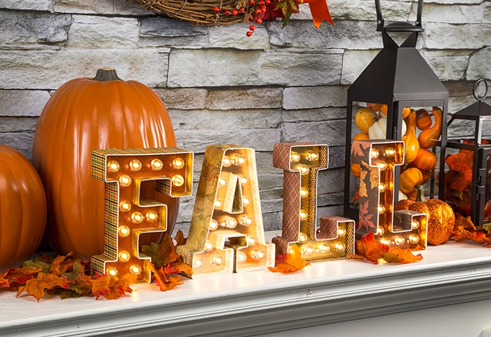 cozy DIY plaid FALL marquee letters (via www.patcatans.com)