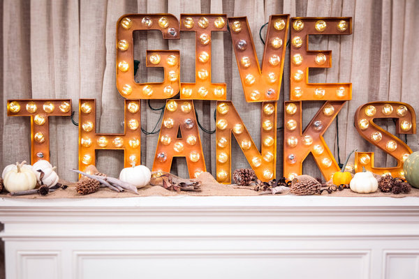 DIY GIVE THANKS marquee letters for festive decor (via www.lilyshop.com)