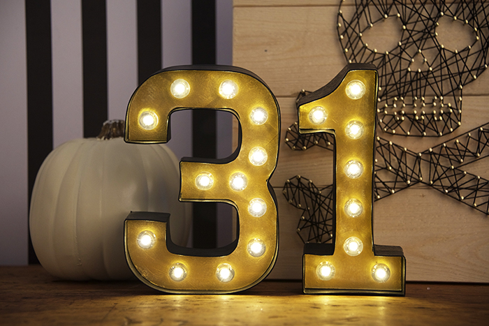 31 diy halloween marquee numbers via https