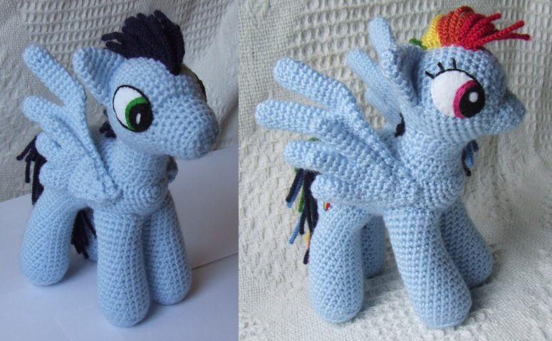 DIY My Little Pony crochet toys (via knitoneawesome.blogspot.ru)