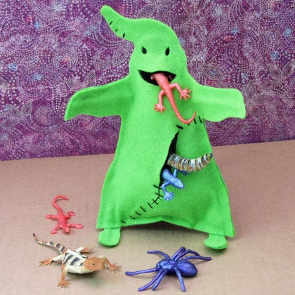DIY Oogie Boogie monster fed with bugs (via https:)