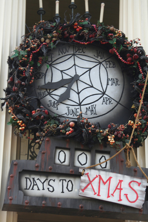 diy nightmare before christmas countdown clock via diynmbcpropsblogspotru - Nightmare Before Christmas Decorating Ideas