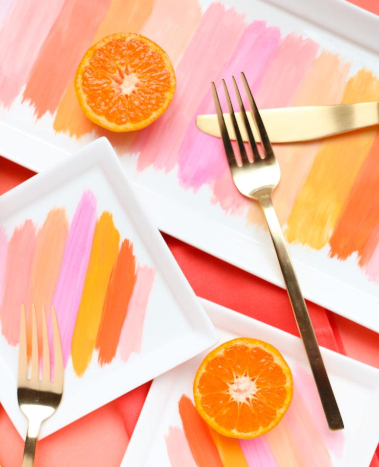 DIY colorful brushstroke plates (via www.akailochiclife.com)