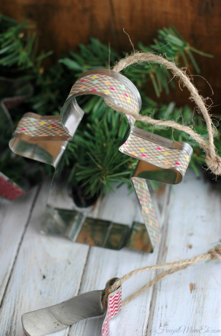 DIY Christmas ornaments of vintage cookie cutters and washi tape (via www.frugalmomeh.com)