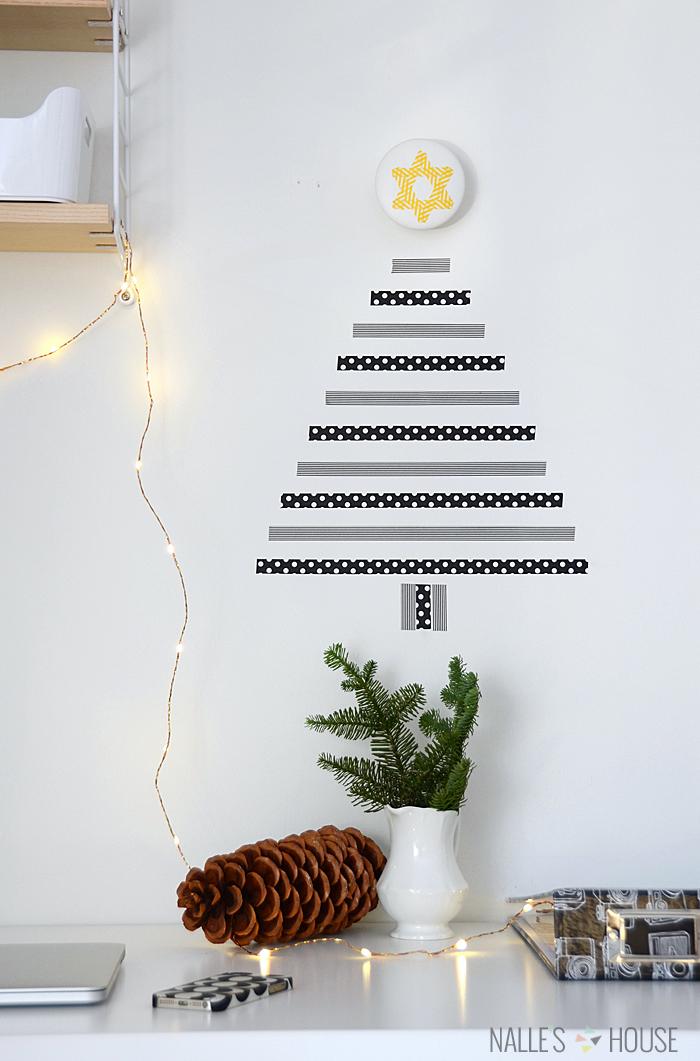 DIY horizontal washi tape Christmas tree (via www.nalleshouse.com)