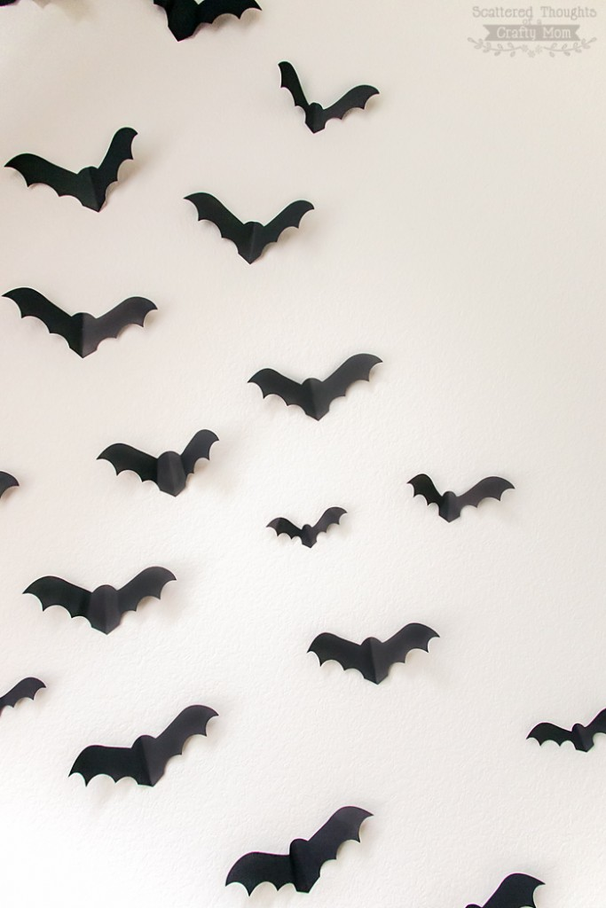 DIY paper bats on the wall for Halloween (via www.scatteredthoughtsofacraftymom.com)