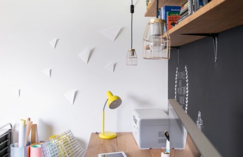 DIY 3D triangle wall decor (via www.shelterness.com)