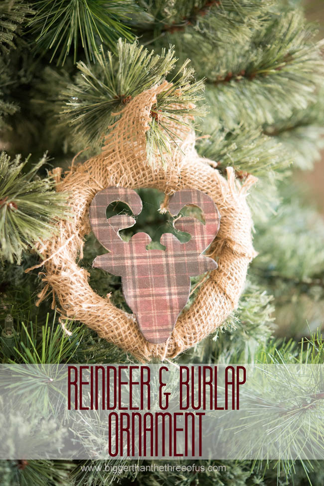 diy burlap wreath ornament with a deer silhouette via biggerthanthethreeofuscom