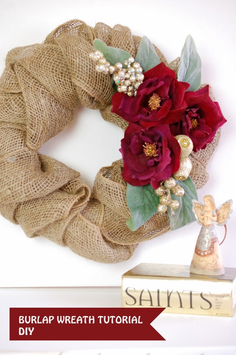 diy burlap christmas wreath with bold red flowers via stjudescreationsblogspotru