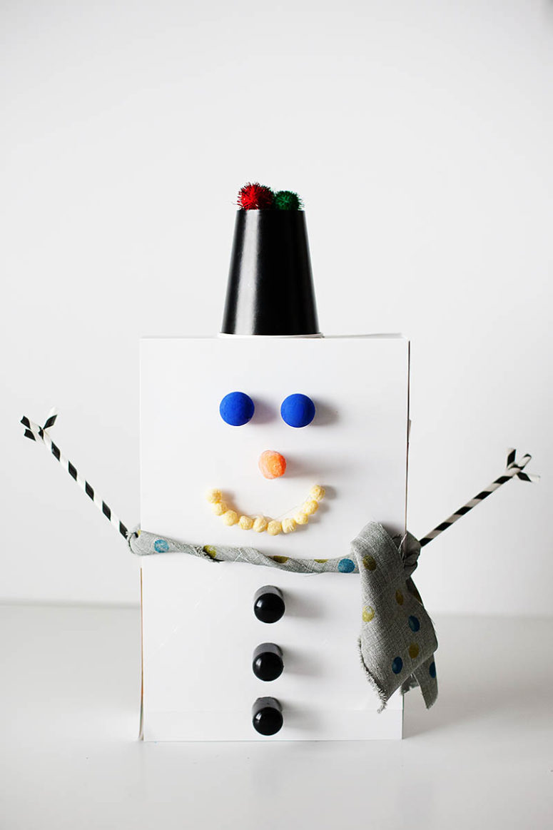 DIY recycled box snowman (via kixcereal.com)