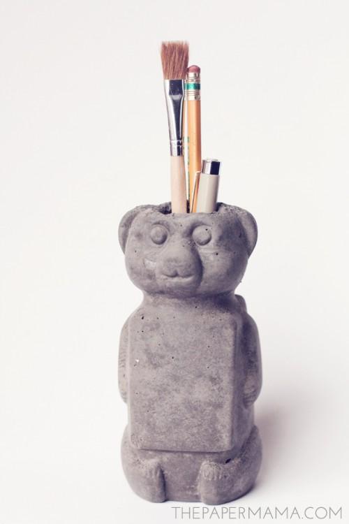 DIY concrete honey bear vase (via www.shelterness.com)