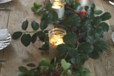 02 amazing fresh holly and berries table runner with candles