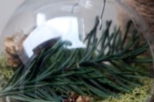 02 evergreens, tiny pinecones and moss make a great nature-inspired ornament