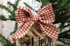 05 rustic ornament filled with burlap and with a plaid bow