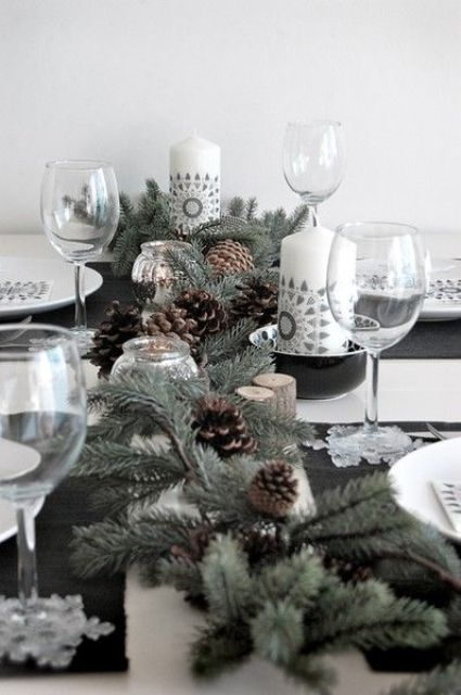 evergreen and pinecone table runner