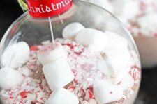 10 peppermint cocoa ornaments can also become gifts