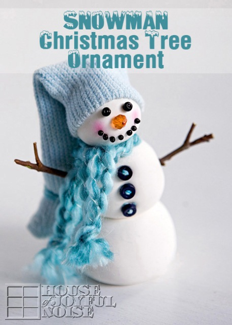 DIY snowman tree ornament (via www.shelterness.com)