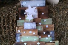 13 cute painted pallet trees with button decor
