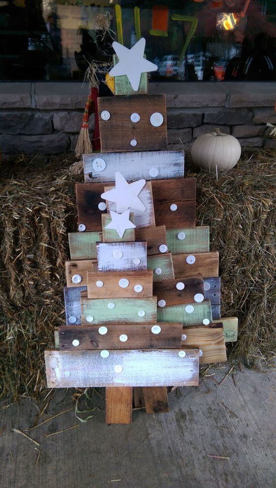 cute painted pallet trees with button decor