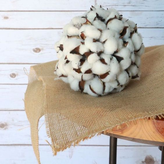 cotton ball is a great alternative to a usual wreath