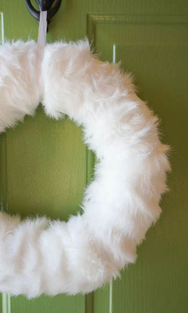 faux fur wreath is easy to DIY and looks chic