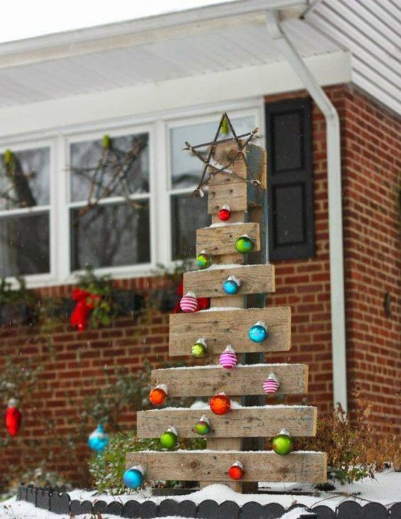 Rustic Pallet Wood Tree With Colorful Ornaments For Outdoors