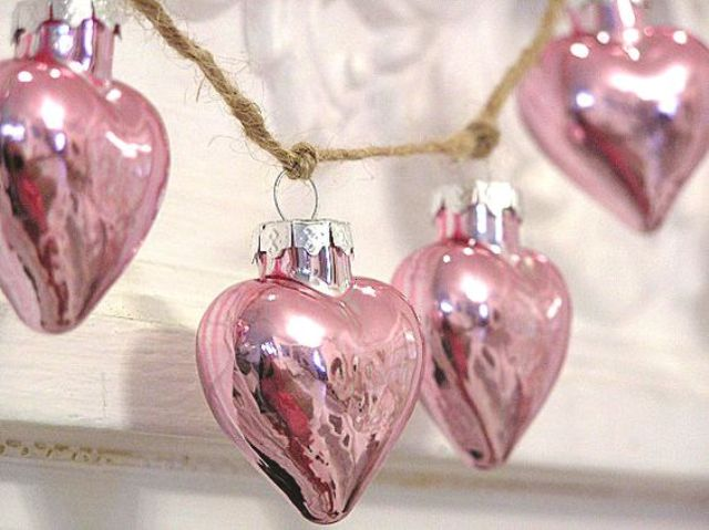 22 pink heart garland of ornaments