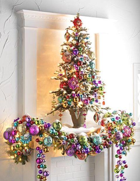 23 colorful christmas tree d cor ideas shelterness for Colorful christmas tree decorations