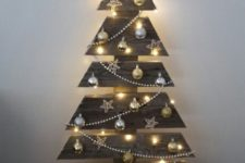 24 regular pallet Christmas tree with ornaments and lights